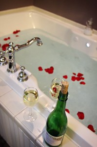 Wine and A Bath For Two! Martha's Vineyard South Haven Bed and Breakfast