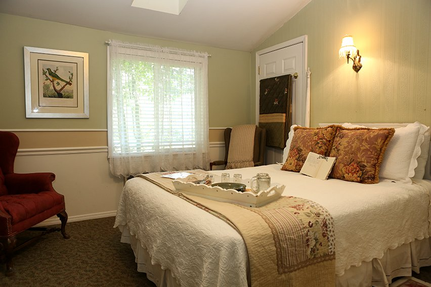 The Cranston Guest Room Martha's Vineyard South Haven Bed and Breakfast