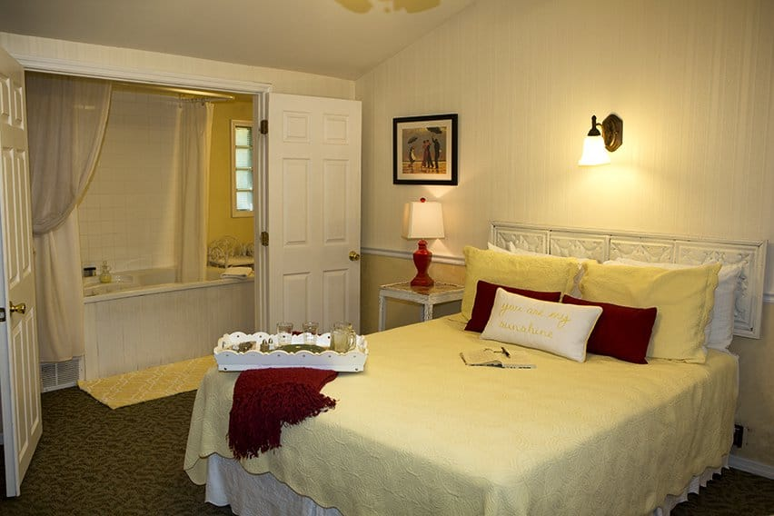 Dartmouth Guest Room Martha's Vineyard South Haven Bed and Breakfast